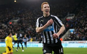 Jack Colback celebrates scoring against Everton.